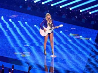 Big Machine: Taylor Swift Can Play Her Hits At The American Music Awards
