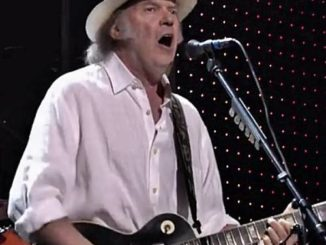Neil Young has received his US citizenship